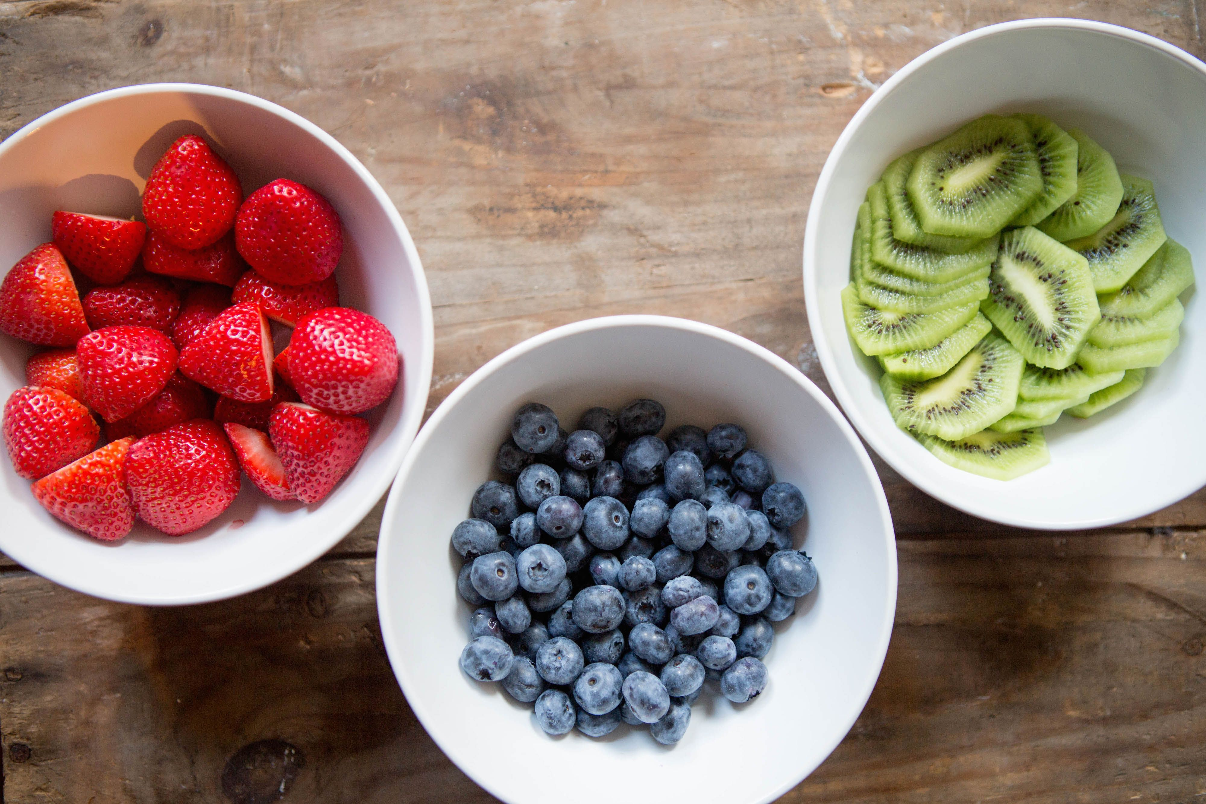 How many calories in blueberries 100g