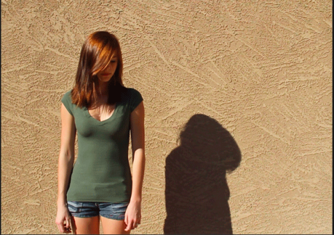 This Woman's Moving Shadow Will Freak You Out