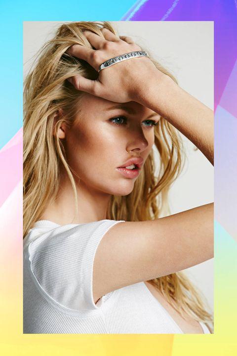 Lip, Hairstyle, Skin, Forehead, Shoulder, Eyebrow, Eyelash, Style, Colorfulness, Beauty,