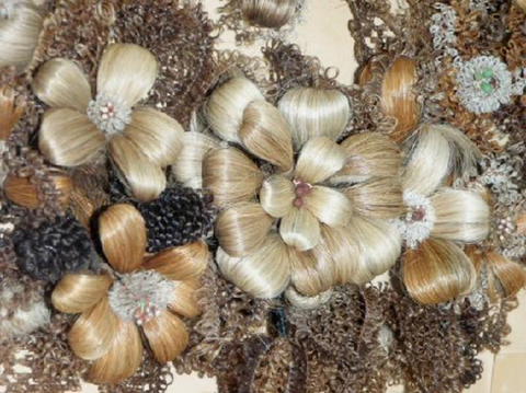 Brown, Ingredient, Garlic, Natural material, Fawn, Beige, Elephant garlic, Natural foods, Whole food, Shell,