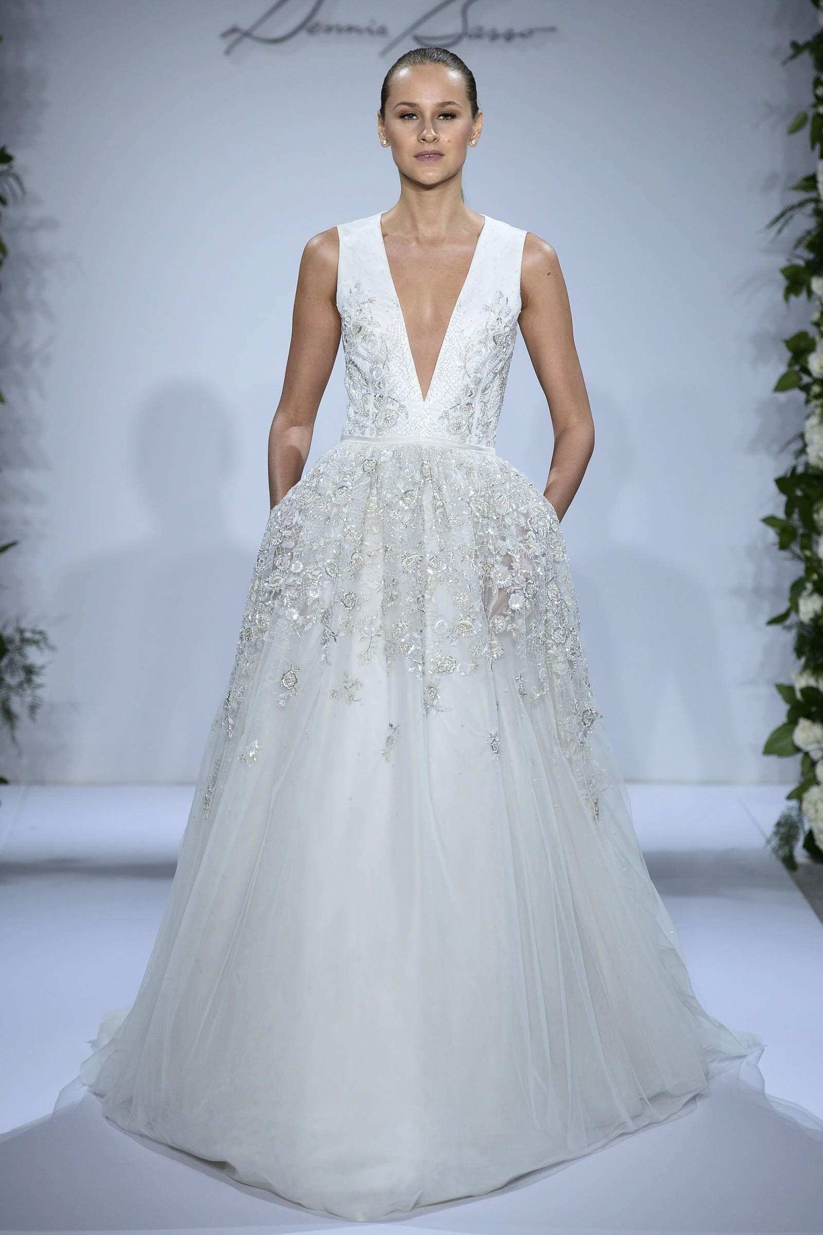 13 Gorgeously Sexy Wedding Gowns