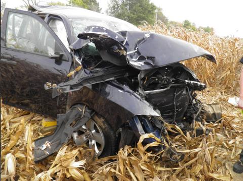 Motor vehicle, Automotive exterior, Fender, Scrap, Vehicle door, Auto part, Crash, Windshield, Waste, Bumper,