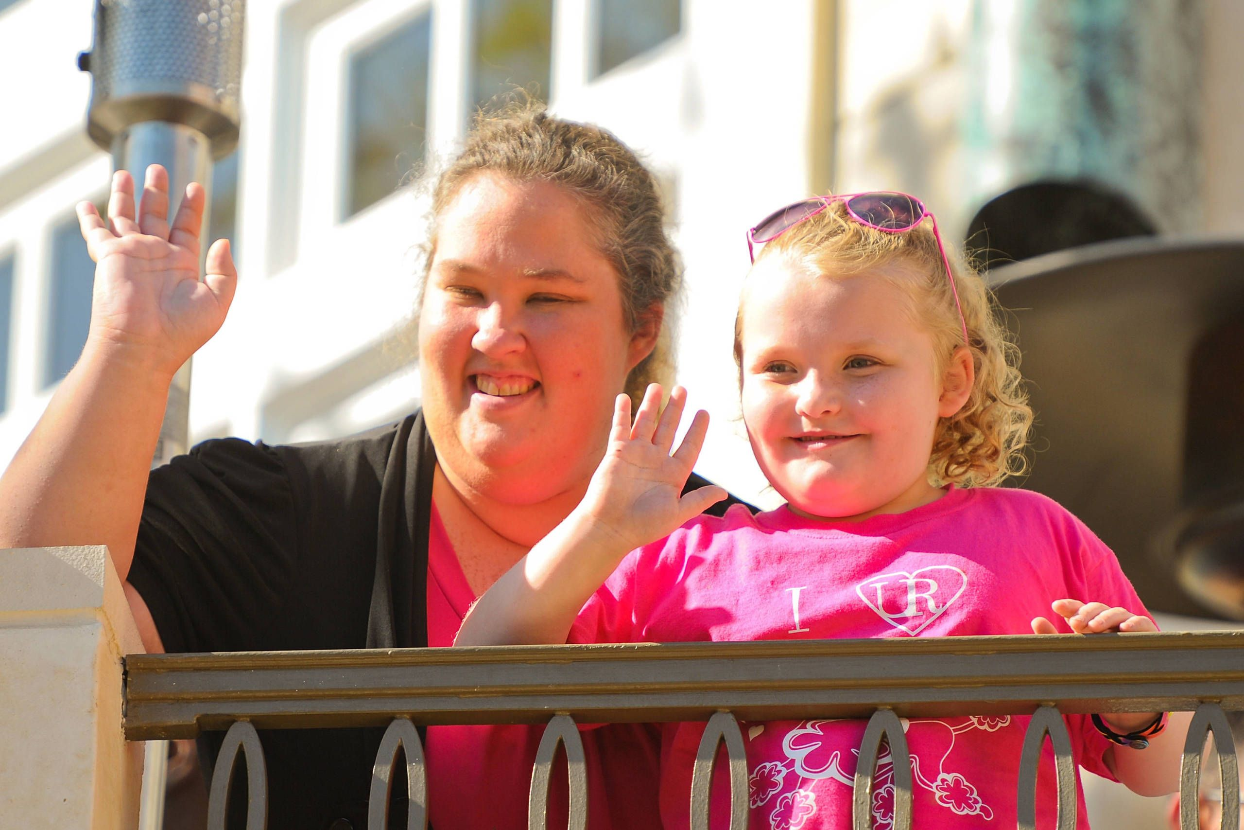 Is honey boo boo mother dating a sex offender