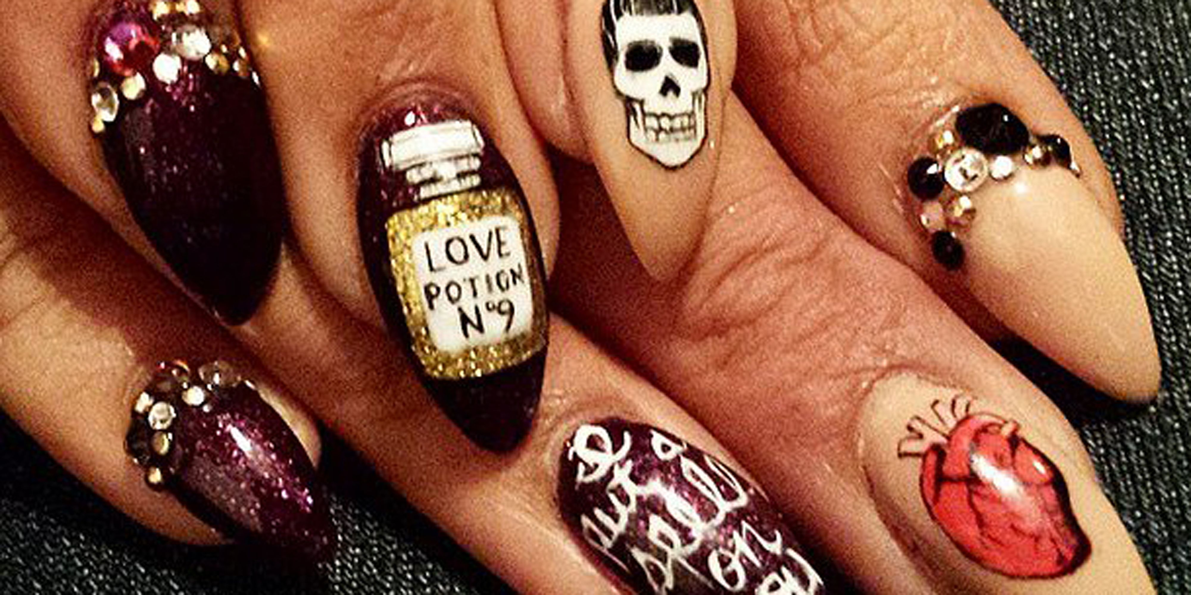 42 cute halloween nail art ideas best designs for halloween manicure prinsesfo Image collections