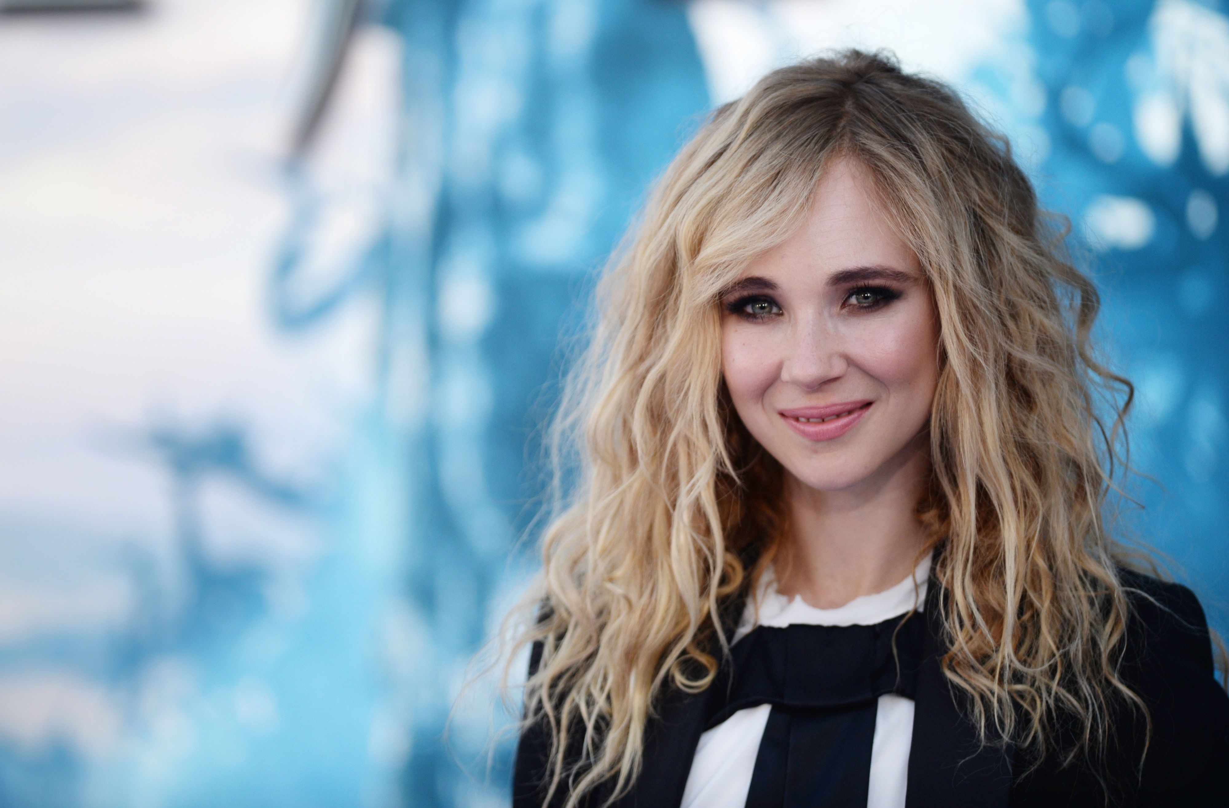 Juno Temple Is Not Remotely Scared of Nude Scenes or Snakes