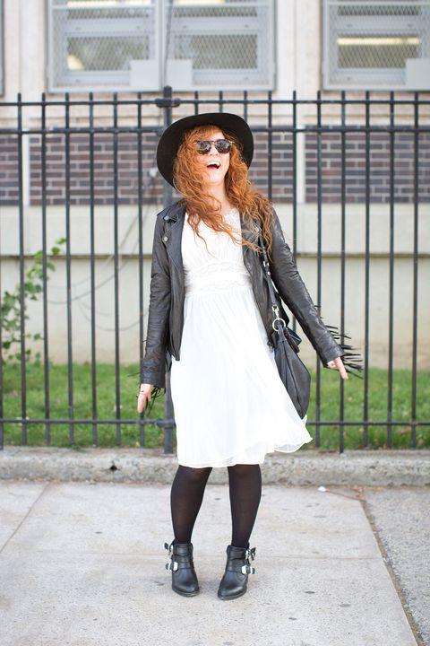 Teresa, Music Agent, 30
