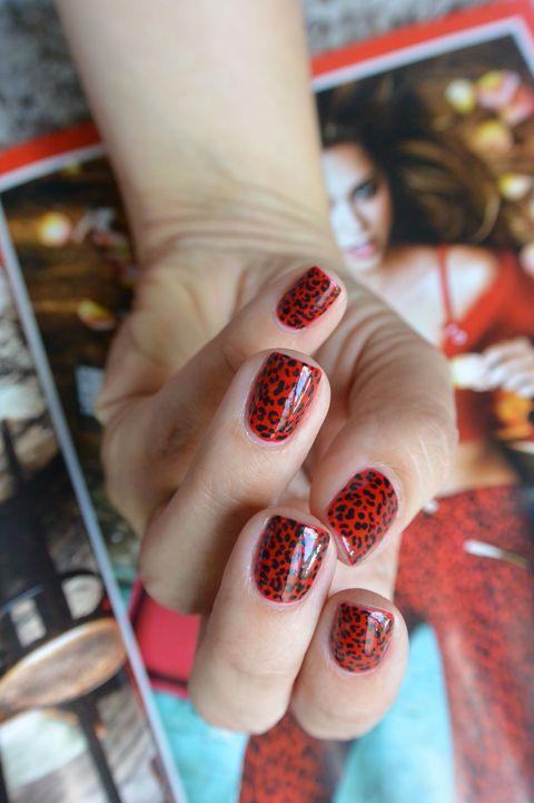 Human, Finger, Skin, Toe, Nail, Nail care, Nail polish, Manicure, Foot, Cosmetics,