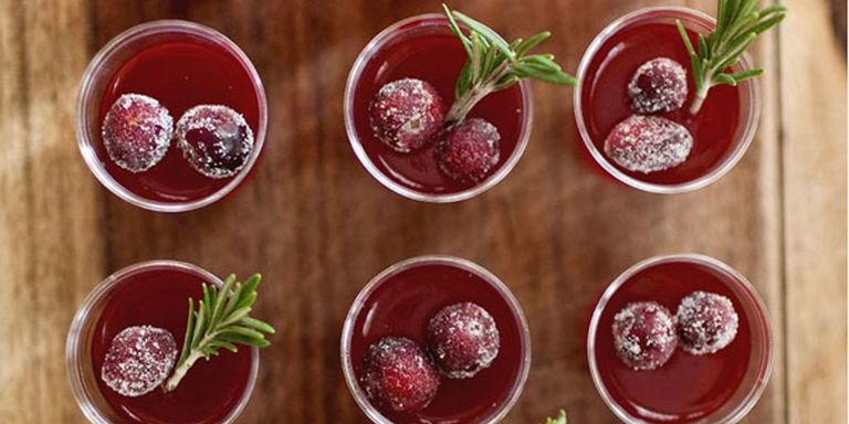 9 Festive Cocktails That Taste Like Your Favorite Holiday Sweets
