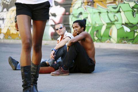Clothing, Footwear, Leg, Trousers, Shoe, Human leg, T-shirt, Shorts, Street fashion, Denim,