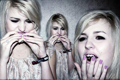 Finger, Lip, Eye, Skin, Eyebrow, Eyelash, Hand, Fashion accessory, Nail, Style,