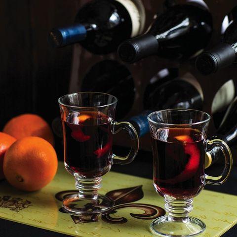 Serveware, Glass, Drinkware, Barware, Drink, Tableware, Bottle, Alcoholic beverage, Table, Grapefruit,