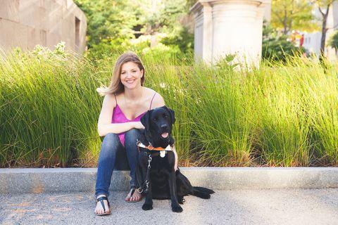 Dog breed, Human, Dog, Carnivore, Mammal, Vertebrate, Sitting, Sporting Group, Companion dog, Canidae,