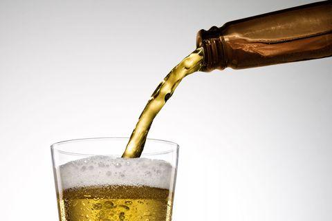 Champagne cocktail, Drink, Beer glass, Alcoholic beverage, Champagne stemware, French 75, Glass, Distilled beverage, Barware, Beer cocktail,