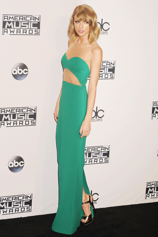 Taylor Swift\'s Most Beautiful Looks