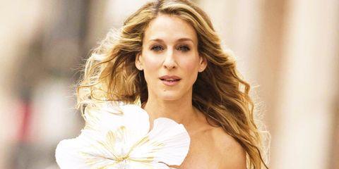 Lip, Hairstyle, Petal, Shoulder, Eyebrow, Flower, Eyelash, Beauty, Blond, Brown hair,