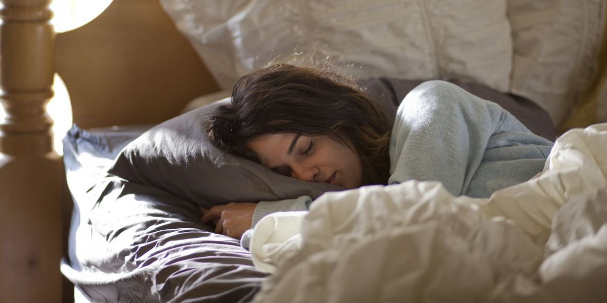 25 Terrible Side Effects of Not Getting Enough Sleep in Your 20s