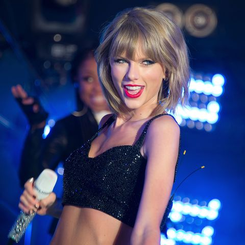 Taylor Swift Sent a Fan $1989 To Pay Off Her Student Loans