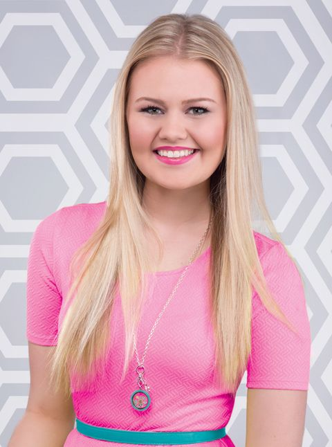 How Bella Weems Started A Million Dollar Business Before She Turned 18