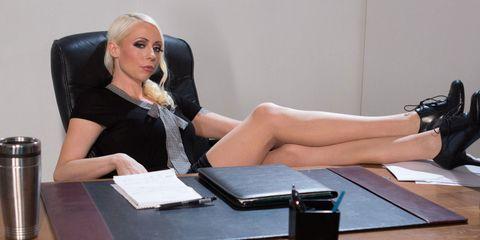 Human leg, Sitting, Comfort, Table, Beauty, Knee, Wrist, Thigh, Blond, Employment,