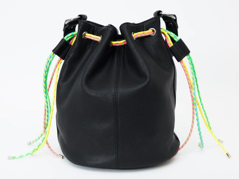 b8112ca97b 10 Style Hacks to Make Any Bag Look Amazing