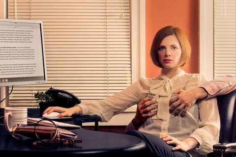5 Discomforting Photos Show How Often Women Deal With Sexism