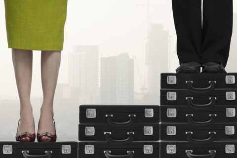 Leg, Human leg, Standing, Fashion, Toe, Foot, Calf, Ankle, Multimedia, Gadget,