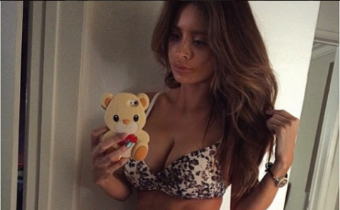 How Does Six-Pack Model Mom Look Like This 4 Days After Giving Birth?