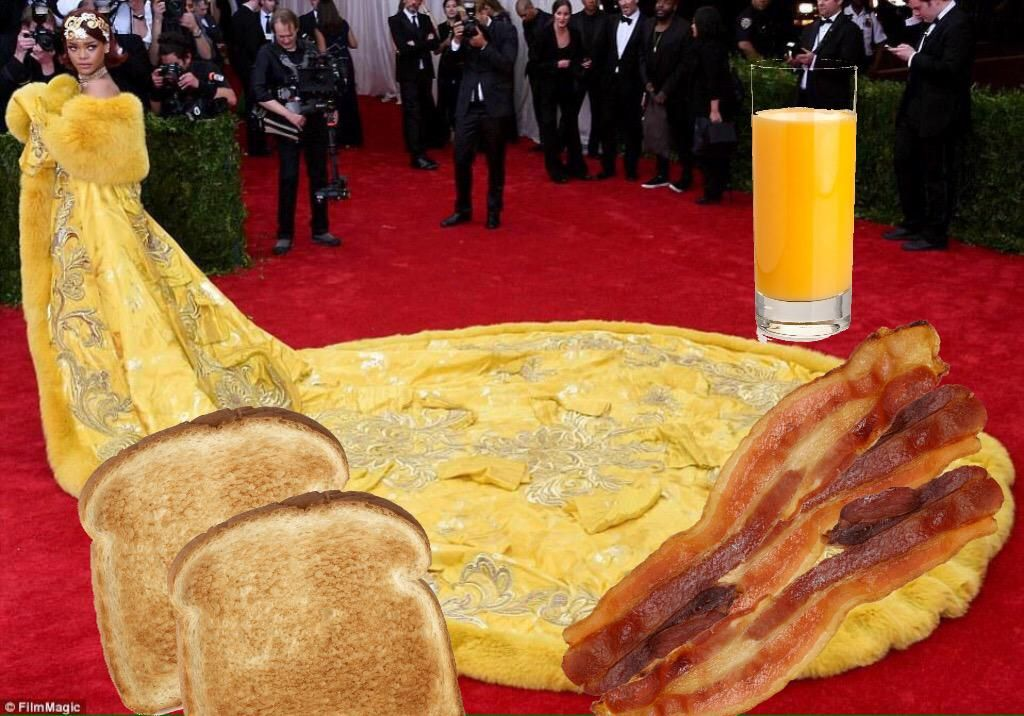 The 14 Best Memes Of Rihannas Dress At The Met Gala