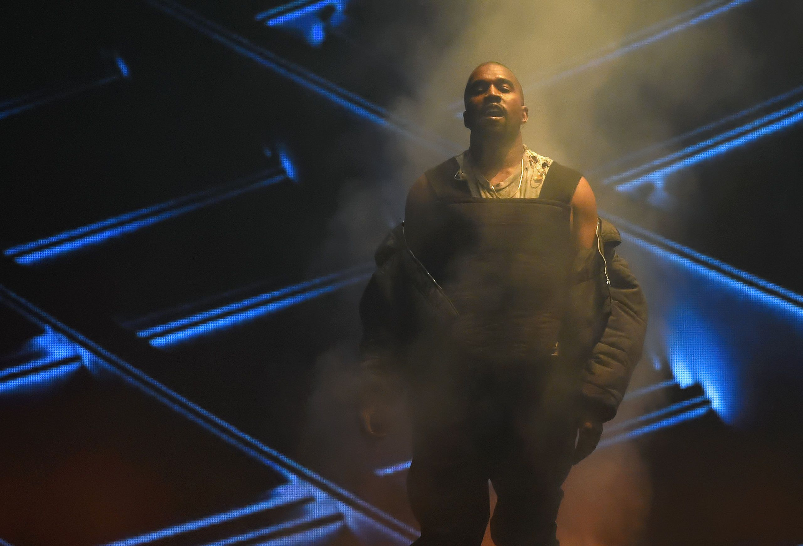 Kanye West Apologizes for That Messy Censored Billboard Music Awards Performance
