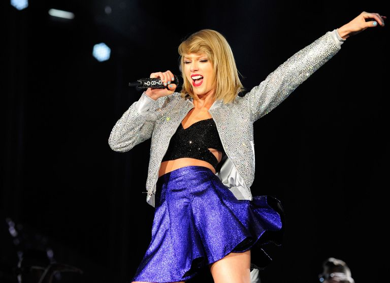 Taylor Swift Helps Fans Announce Their First Baby in the Most Taylor Way Possible