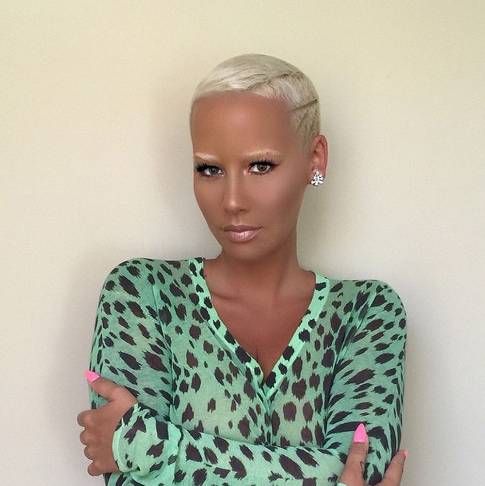 Amber Rose Has Bleached Her Eyebrows
