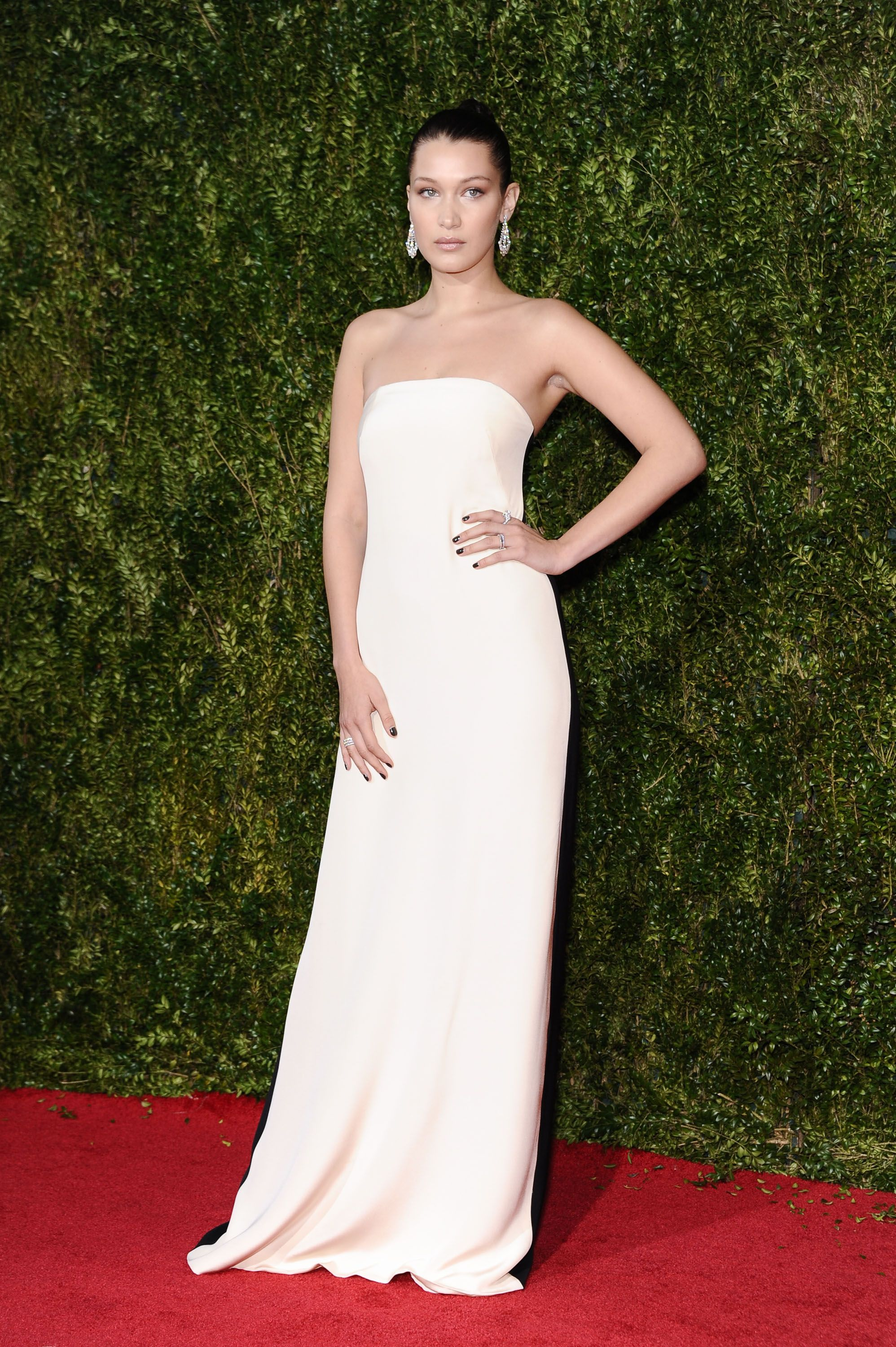 10 tonys red carpet dresses that are better from the back ombrellifo Choice Image