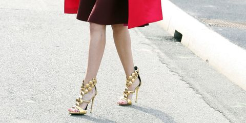 Footwear, Human leg, Toe, Joint, Sandal, Pink, Style, Fashion accessory, Street fashion, High heels,
