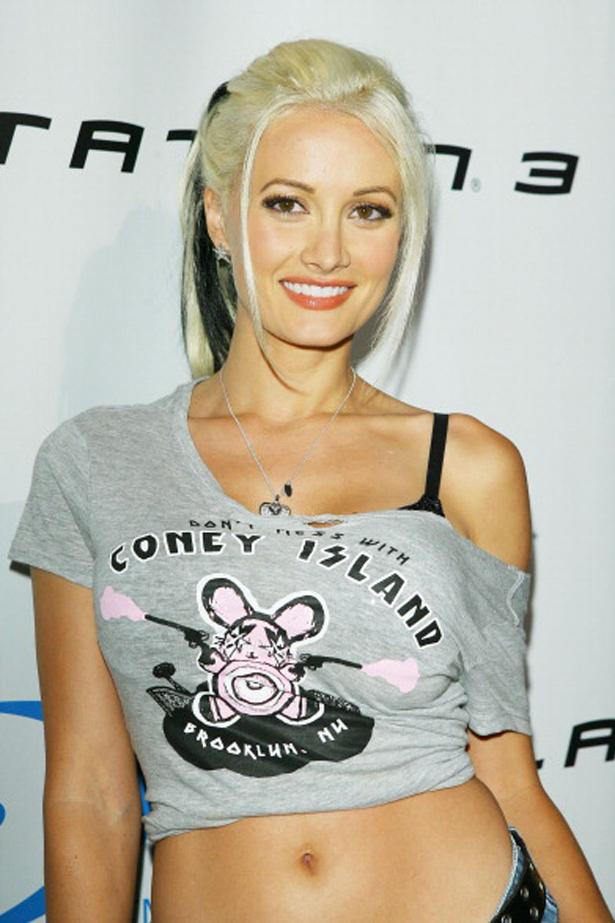 40 Photos Of Holly Madison Through The Years