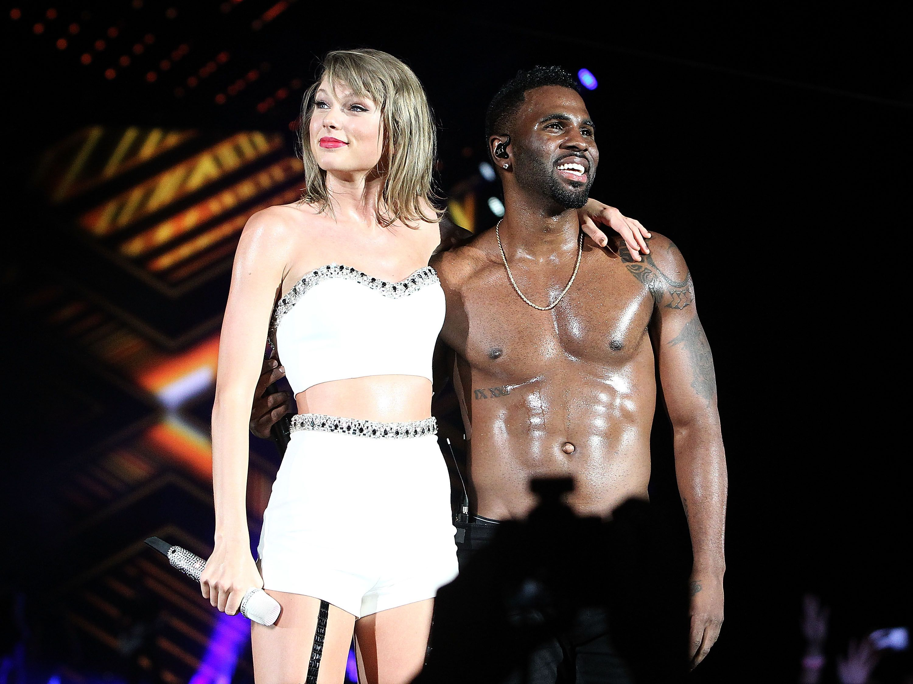 Jason Derulo Joined Taylor Swift For A Shirtless Duet In D C