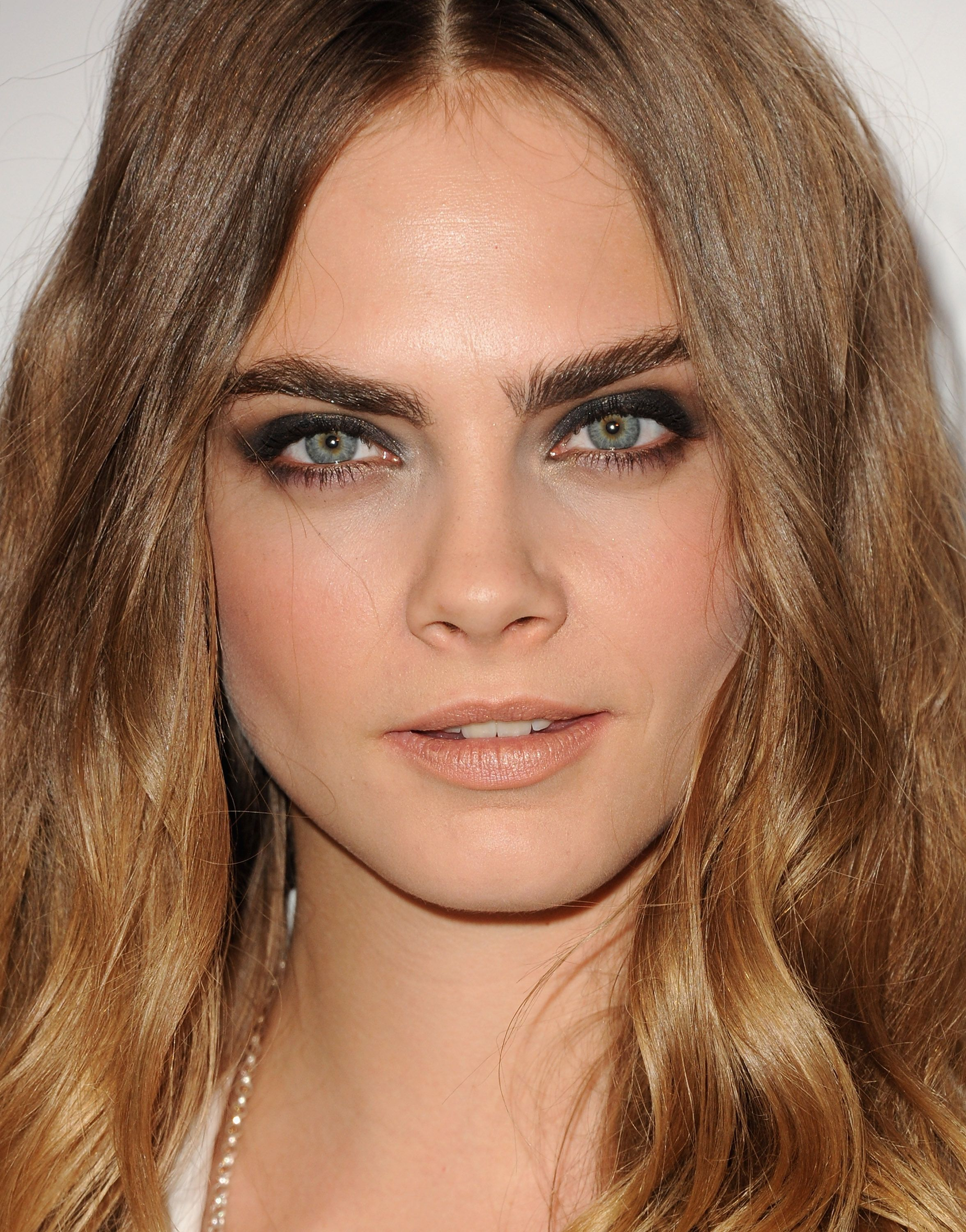 This Is What Cara Delevingne Does To Get Her Famous Eyebrows