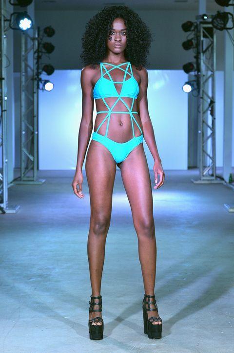 Shoulder, Human leg, Fashion show, Jheri curl, Thigh, Fashion accessory, Fashion model, Fashion, Neck, Beauty,