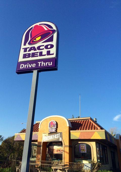 Sky, Signage, Sign, Restaurant, Advertising, Fast food restaurant,