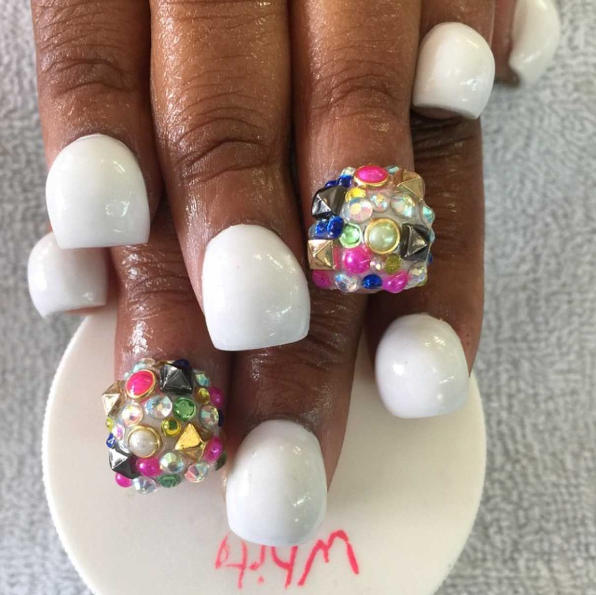Bubble Shaped Nails Are The Crazy New Nail Shape Everyone Is ...