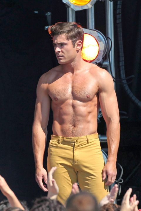 37 Zac Efron Shirtless Photos - Zac Efron Half-Naked At The Beach-1808