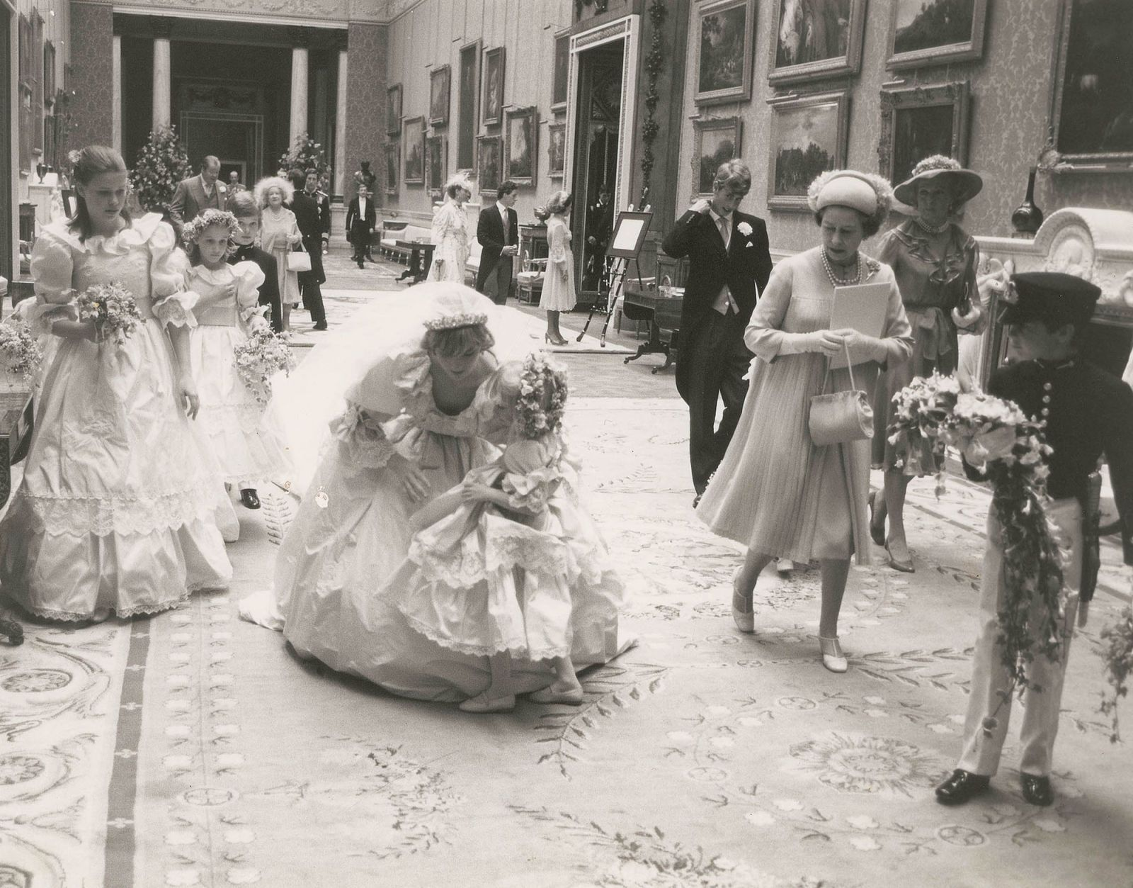 9 Never-Before-Seen Photos From Princess Diana's Wedding