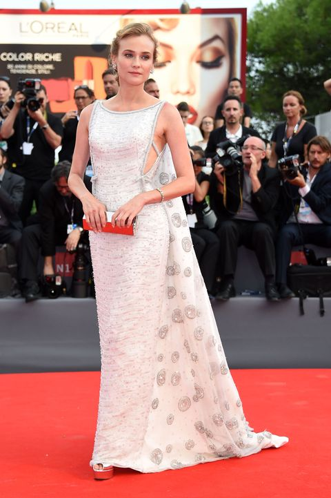 Clothing, Flooring, Dress, Trousers, Event, Premiere, Red, Carpet, Outerwear, Coat,