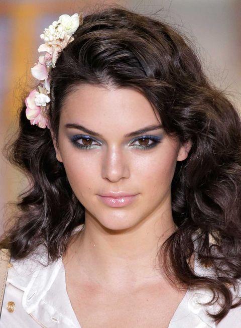 Face, Lip, Hairstyle, Skin, Chin, Forehead, Eyebrow, Eyelash, Style, Beauty,