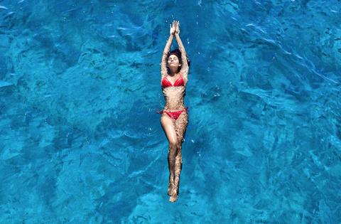 Swimwear, Human leg, Beauty, Thigh, Muscle, Waist, Leotard, Physical fitness, Abdomen, Undergarment,