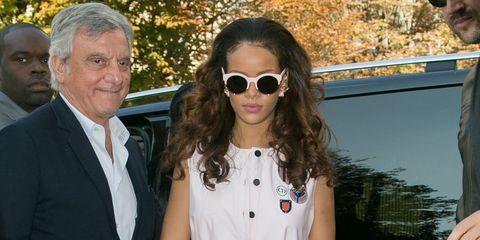 Clothing, Eyewear, Hair, Vision care, Glasses, Sunglasses, Coat, Shirt, Outerwear, Mammal,