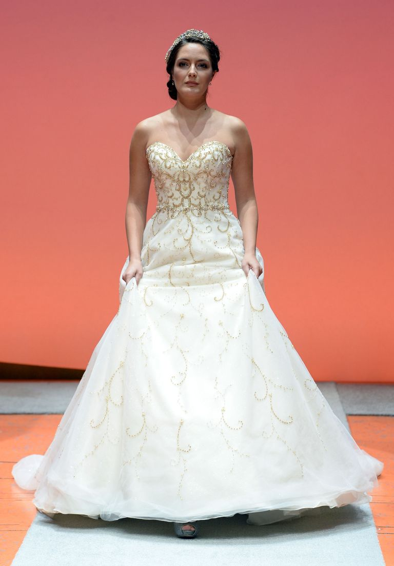Disney fairy tale weddings collection by alfred angelo fall 2016 courtesy of alfred angelo ombrellifo Gallery