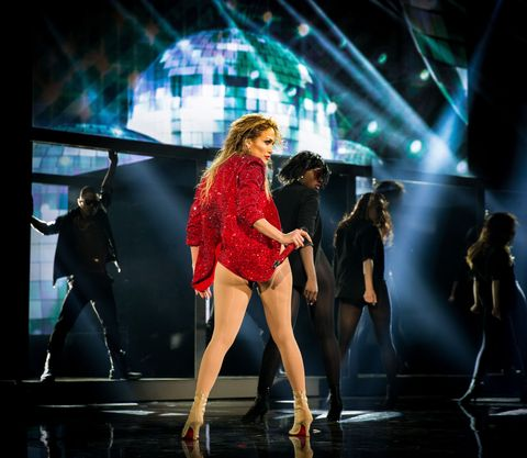 Leg, Event, Entertainment, Human body, Performing arts, Stage, Dancer, Artist, Performance, Music venue,