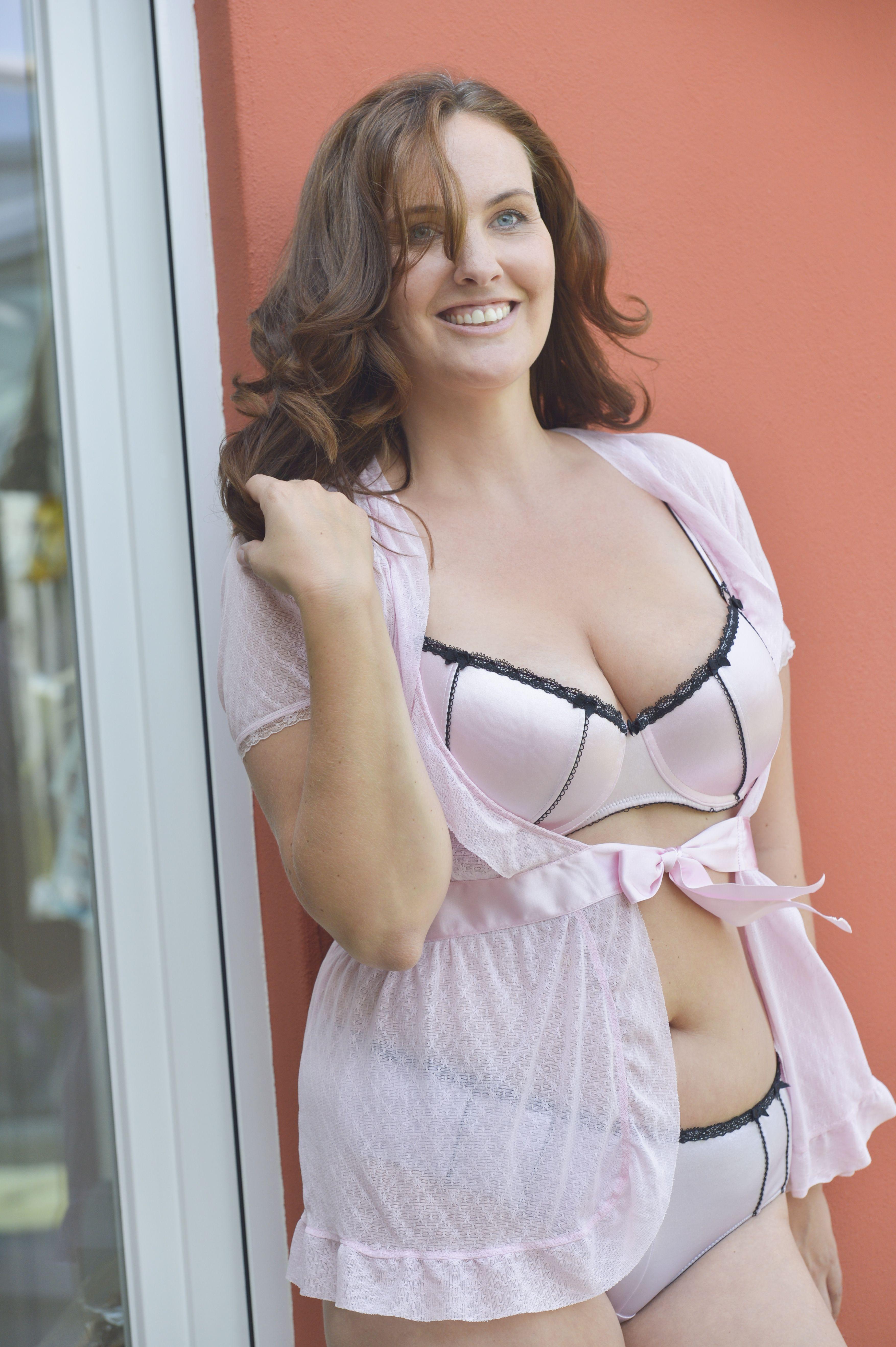 Big breast cams