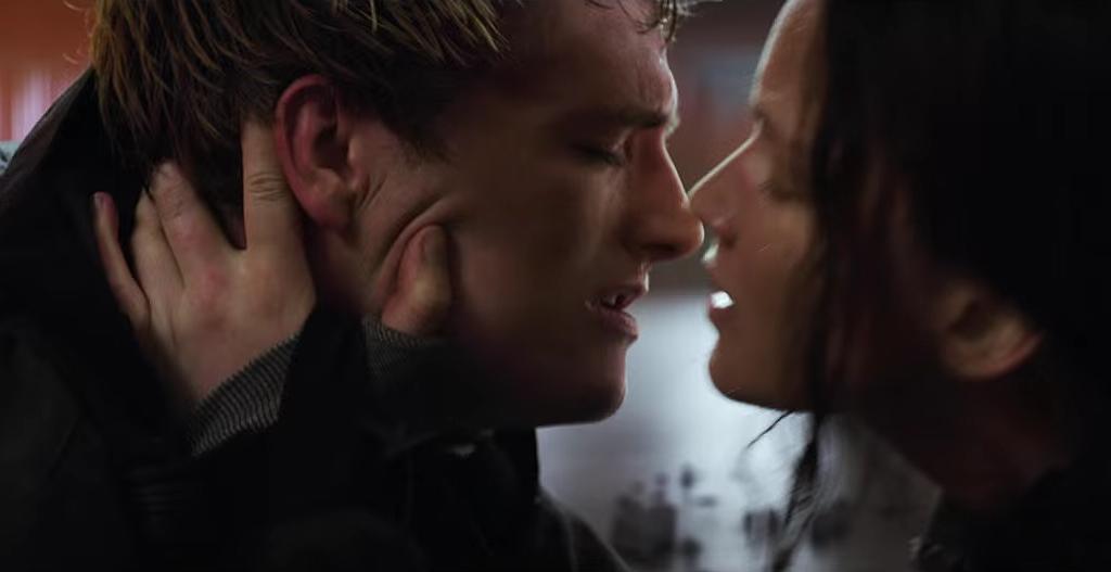 New Mockingjay Part 2 Trailer Features Peeta Katniss Kissing