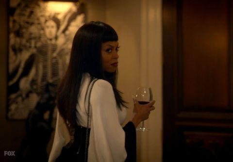 Drink, Drinkware, Glass, Tableware, Black hair, Long hair, Street fashion, Drinking, Stemware, Wine glass,